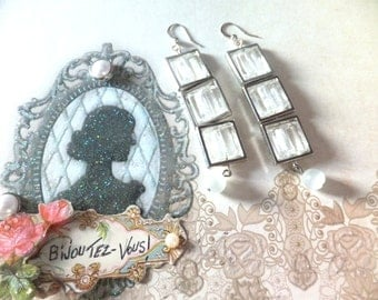 Earrings Ode.    glass beads Tx included