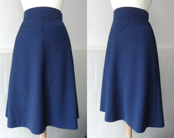 Blue 70s Highwaisted Vintage A-Line Skirt // Mohr // Model Muenchen // Size 36