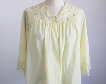 Vintage 1960s Yellow Bed Jacket / 60s Shadowline Nylon Bedjacket / Short Robe / Roses / Lace Trim / Vintage Lingerie / Sleepwear
