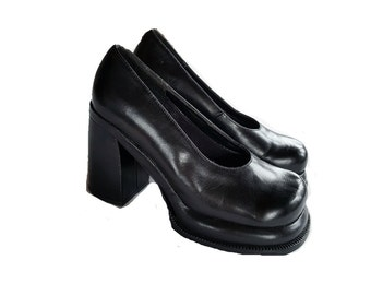 90s Black Platform Pumps Size 38