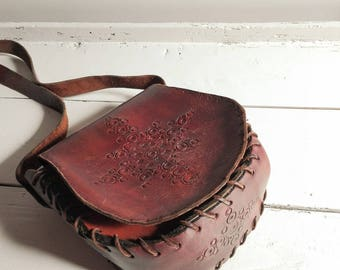 Vintage 1960's Brown Leather Saddle Bag - Tooled Leather Purse - Women Shoulder Bag - Boho Hippie