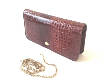 Pierre Cardin Paris envelope clutch bag. Brown patent leather . 1970 s shoulder bag