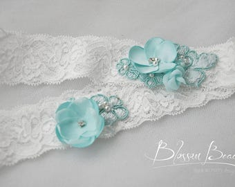 off white stretch lace garter set;bridal garters;white and aqua lace garter set;wedding garters