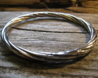 nice heavy old STERLING twisted BANGLE BRACELET, hinged. Vintage Italian, fits up to 7.25 inches.