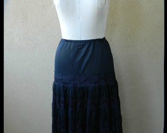 Free shipping! 1950's Black Lace Tiered Half Slip