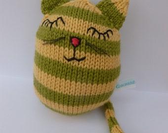 Joe: A hand-knitted cat