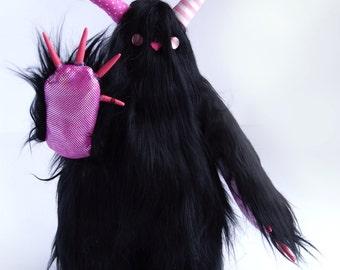 Mobbo the monster of hugs Pinkie