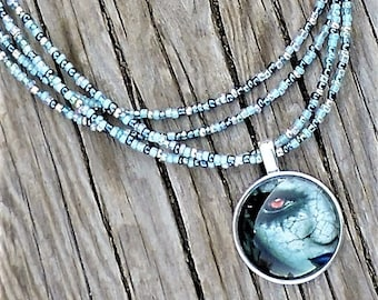 Red eye maiden necklace