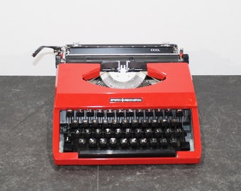 Vintage Sperry-Remington idool typewriter