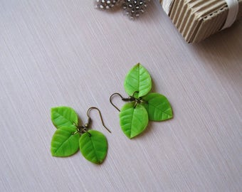 Spring birthday gift-for-her Spring jewelry Dangle earrings Green leaf earrings Long earrings Nature earrings Rustic earrings Unique earring