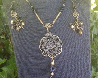 Heart and flower Necklace and Earring Set