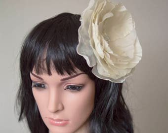 Ivory fascinator | Silk flower fascinator | wedding fascinator | bridal fascinator | fabric hair flower | Flower fascinator