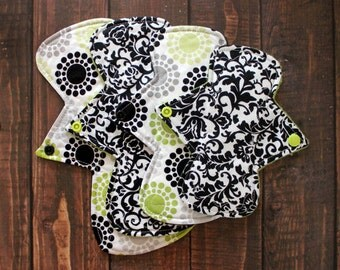 Cloth Pad Set Black & White Set of Four Moderate Reusable Cloth Menstrual Pads Cotton Top Flannel/SHOBF Core Antipill Fleece Back