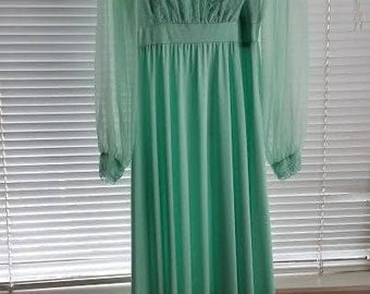 Vintage Wedding or Maid of Honor dress from 1986