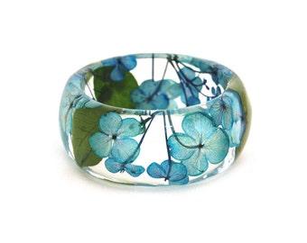 Pressed Flower bracelet.  Hydrangea bracelet. Real flower bangle. Blue Flower Resin Bangle. Gifts for her. Resin bangle.  By OCEAN PETALS