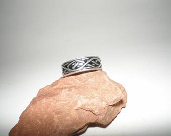 Celtic Vine Ring Band Style Sterling Silver Great Detail -Vintage UNISEX Size 6