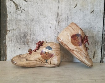 Raggedy Ann & Andy on Vintage Toddler Shoes, Primitive Raggedy Ann, Painted Raggedy Ann, Primitive Decor,  Raggedy Ann Baby Shoes, Country