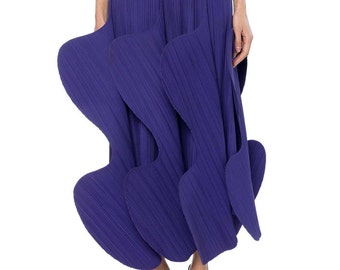 Issey Miyake Sculptural Pleated Skirt Size: 4