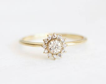 Halo Diamond Ring, Gold Diamond Ring, Diamond Engagement Ring, Simple Diamond Ring, Dainty Diamond Ring, White Diamond Ring, capucinne