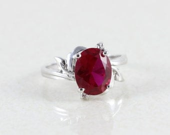 10k White Gold Ruby Ring Size 6 1/2