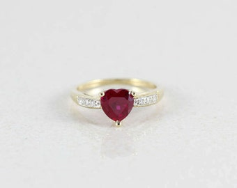 10k Yellow Gold Ruby and Diamond Heart Ring Size 7