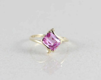 Vintage 10k Yellow Gold Pink Sapphire Ring Size 8