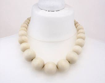 White chunky necklace | white bead necklace | wooden bead necklace