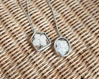 Real flower jewelry stained glass pendants oval and house pendants with pressed flowers hydrangea jewelry in silver