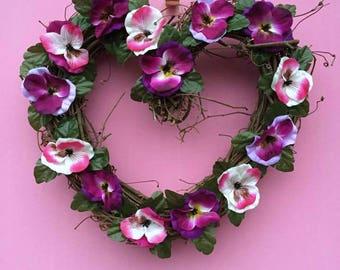 Spring Door Wreath, Pansy Wreath, Summer Wreath, Heart Wreath, Summer Door decor, Summer Door Wreath, Spring Door decor, Floral Heart