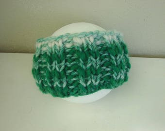 Chunky knit ear warmer green white kids size 1 - 1.5 yrs warm comfortable winter head band knit in the round no seams thick and thin yarn