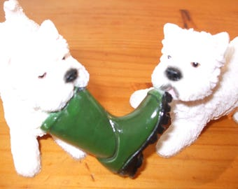 Leonardo figurine - 2 Westies (West Highland Terriers) with Wellington Boot
