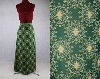 Green 1970's Geometric Cross Stitch Print Maxi Skirt