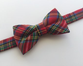 Plaid bow tie. Red and green plaid bow tie. Holidays bow tie. Christmas bow tie.