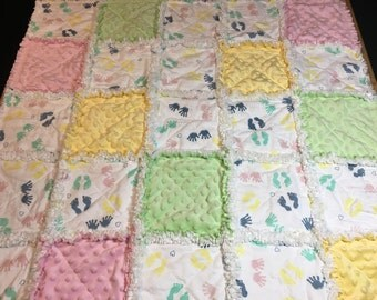 Baby Rag Quilt, Rag Quilt, Hands and feet Quilt, Hands and feet blanket, baby blanket, Minky quilt, baby gift, baby quilt
