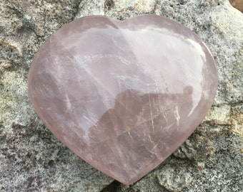 Heart Rose Quartz Stone - Rose Quartz Crystal - Rainbow Quartz - Love Stone - Pink Stone - Rose Quartz - Heart Crystal - Heart Stone - 485g
