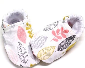 Organic leaf baby shoes, baby girl shoes, baby booties, organic baby, crib shoes, soft sole, baby moccs, girls, kids shoes, girl, leaf