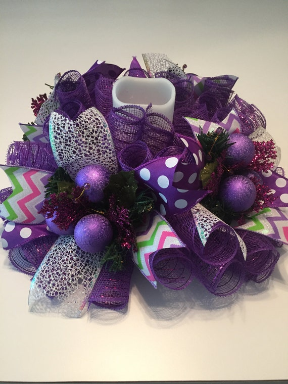 Purple mesh centerpiece