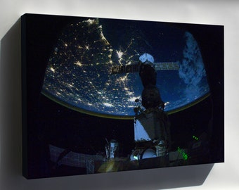 Canvas 16x24; Iss Expedition 25 Night Time Image Of The Us Northern Gulf Coast