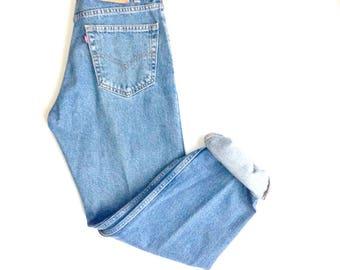 80's levi 505 original boyfriend jeans. Regular fit, straight leg, cotton jeans.