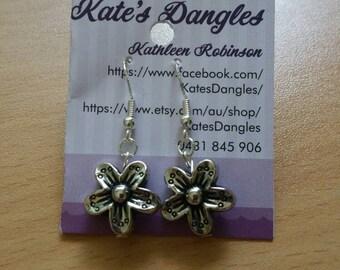 Flower earrings, daisy earrings, sunflower earrings, sterling silver earrings, sterling silver jewelry, silver jewelry, silver earrings
