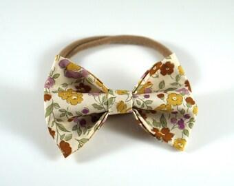 Ivory Floral Bow. Floral Headband. Baby Headband. Newborn Headband. Toddler Headband. Newborn Photo Prop. Floral baby Bow. Floral Hair Bow.