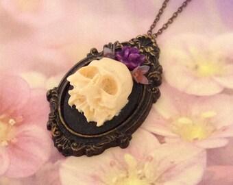 Necklace skull purple skull