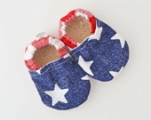 4th of July baby, Patriotic baby moccs, 4th of July baby moccs, stars baby booties, 4th of July outfit, red white and blue, baby moccasins