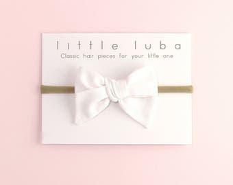 Bow headbands, baby bows, Headband, newborn headband, infant headband, baby hair bows, baby bow, girls bow headband. WHITE Hand-Tied Bow