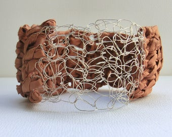 Brown crochet bangle | crochet paper bangle | crochet jewelry | handmade paper bracelet | chunky bracelet | paper yarn | boho style