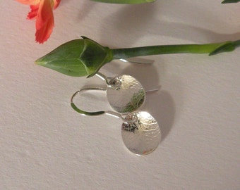 Leaf pattern sterling silver earrings