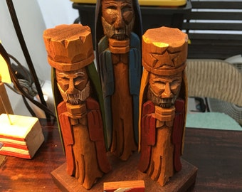 """Tres Reyes Magos (Three wise men) hand carved 6"""" Tall"""