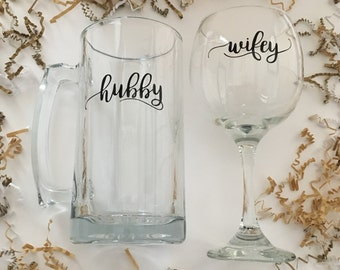 Wifey Wine Glass & Hubby Beer Mug Gift Set, Wedding Glasses, Great Gift for a Couple, Bridal Shower Gifts, Wine Glass, Beer Mug