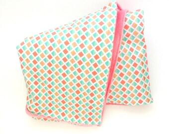 Coral Baby Blanket, Coral Minky Blanket, litterie bassinette, Coral Cuddle Blanket, Pink Baby Blanket, Newborn Baby Gift, Cuddles