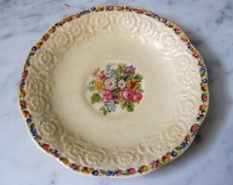 Sovereign Canada British Empire Made 1940s Antique Collectible Saucer Floral Lace Embossment